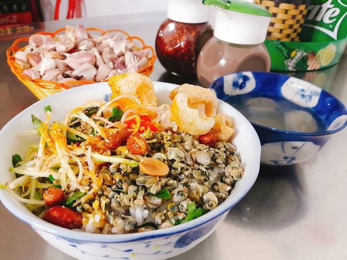 4 món ăn nhất định phải thử khi đến cố đô Huế