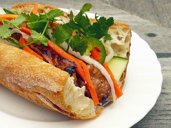 Bánh mì ngon Sài Gòn