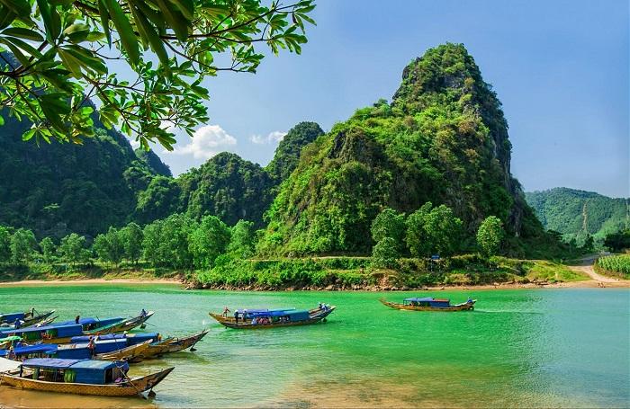 bến phà Xuân Sơn