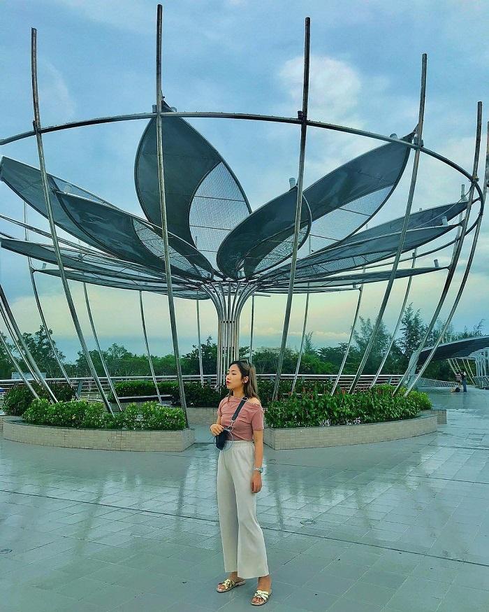 cầu đi bộ Ninh Kiều