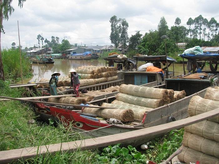 làng chiếu Định Yên