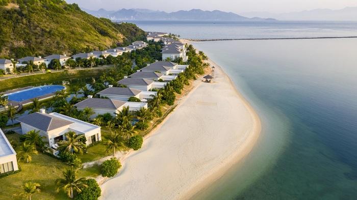 nên đi Vinpearl Nha Trang hay Phú Quốc