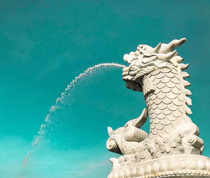 tượng cá chép hóa rồng Đà Nẵng